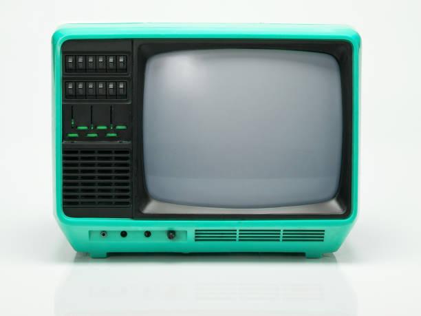 alte tv isoliert auf weißem hintergrund. - alte serien stock-fotos und bilder
