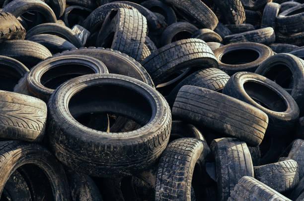 오래된 타이어 재활용 배경. 타이어 쓰레기 질감. 스톡 사진