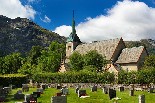 Bergen Open Research Archive: Kunnskapsbygging i den norske fruktnæringa. Døme frå Ullensvang herad