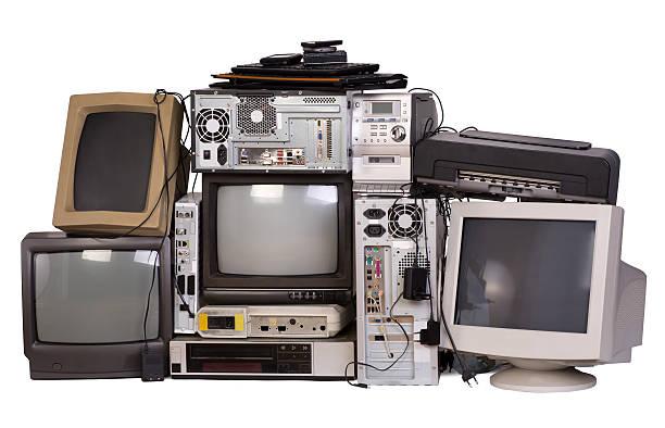 alte verwendet und veraltet elektronische geräte - freizeitelektronik stock-fotos und bilder