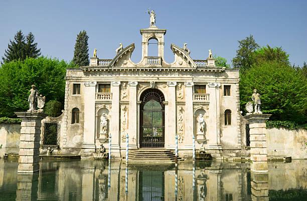 alten venezianischen mansion - vicenza stock-fotos und bilder