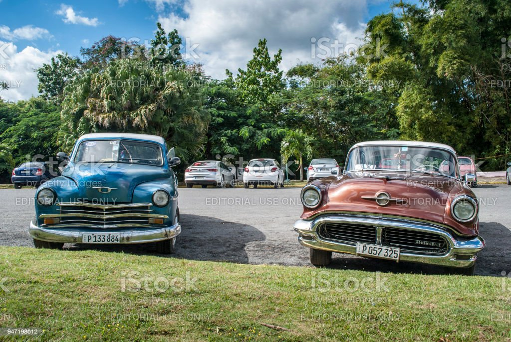 Old vintage Cars parked in Cuba. Popular car in Cuba – zdjęcie