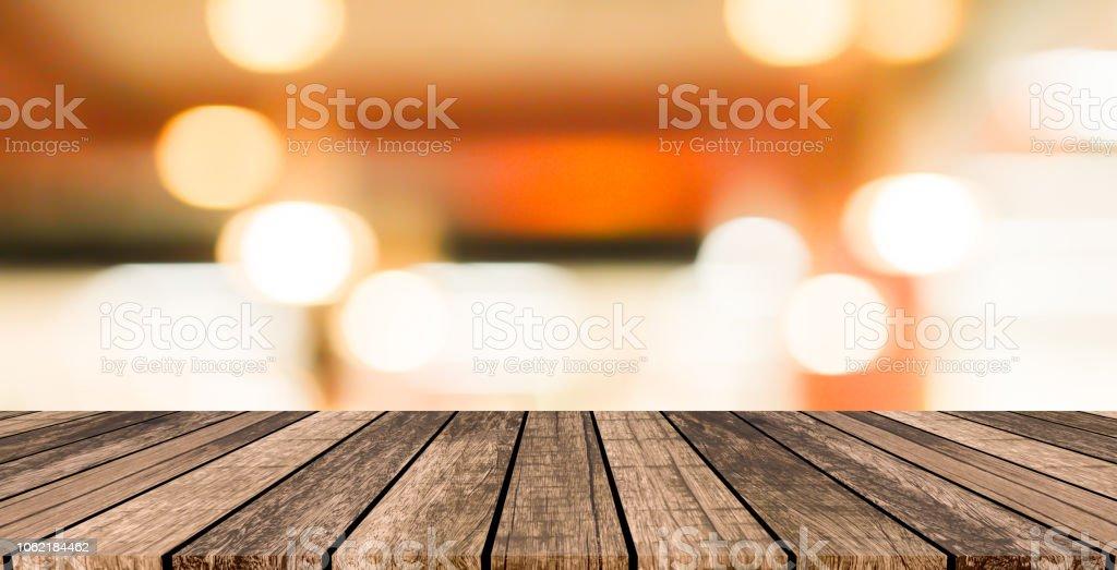 db8b9c0c95d antiguo tablero de panel de madera marrón Grunge vintage con borroso  restaurante bar café fondo de