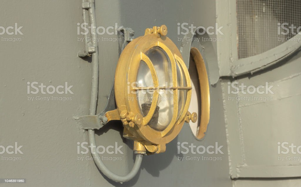 Vintage Deck Schiff Auf Lampe Umgeben An Wand Alte Marineschiff PiXZOku