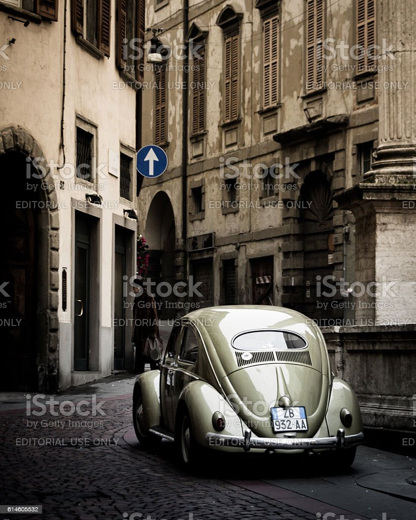 Old VW Beetle on a streets of Bergamo – Foto