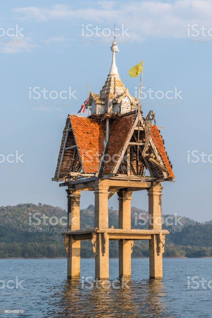 Eski Wat Wang Wiwekaram sualtı, Songkaria Nehri - Royalty-free Antik Stok görsel