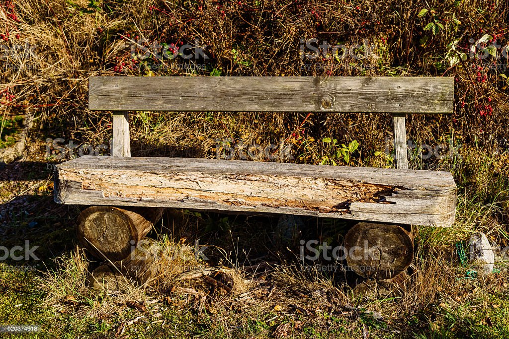 Old weathered log bench zbiór zdjęć royalty-free