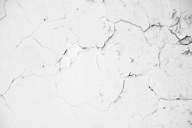 stary białe betonowe ściany pęknięć - popękany zdjęcia i obrazy z banku zdjęć