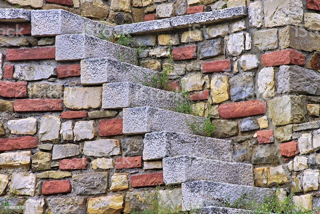 Old blanco escalera de piedra y multicolored detalles en - Escalones de piedra ...