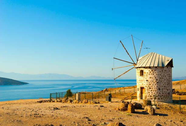 오래 된 풍차 보드룸, 터키 - 굼베 뉴스 사진 이미지