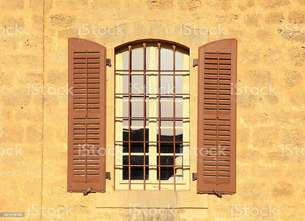old window in stone wall, Jaffa, Tel Aviv, Israel. photo libre de droits