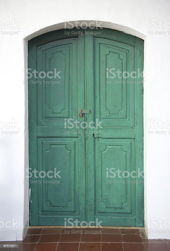 Vieille porte en bois. photo libre de droits