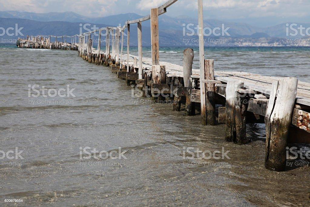 Velho cais de madeira foto royalty-free
