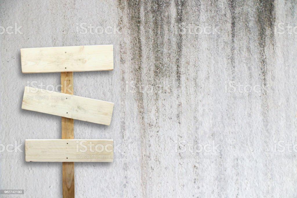 old wooden signboard - Foto stock royalty-free di Ambientazione esterna