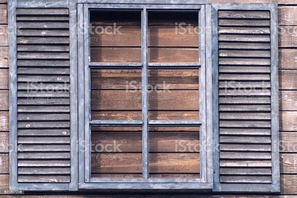 Alte Holz Fenster Mit Jalousien Im Retrostil Stockfoto Und