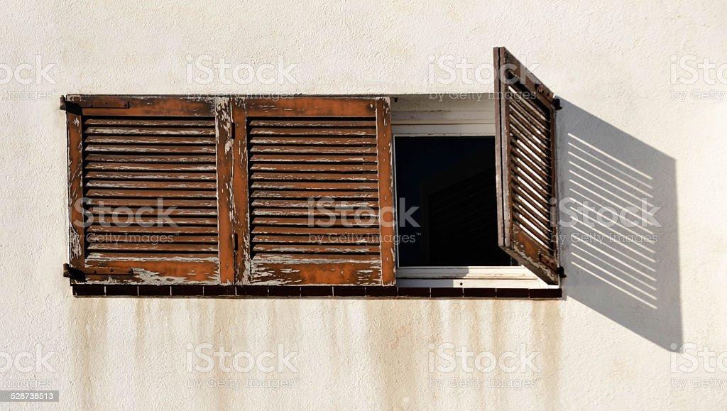 Alte Holz Fenster Und Jalousien Stockfoto Und Mehr Bilder