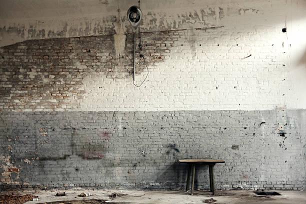 Old workshop mit weißem und grauem Mauerwerk – Foto