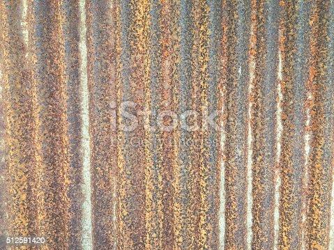 638964834istockphoto Old zinc 512591420