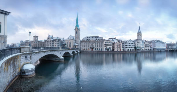Old Zurich town, view on river – Foto
