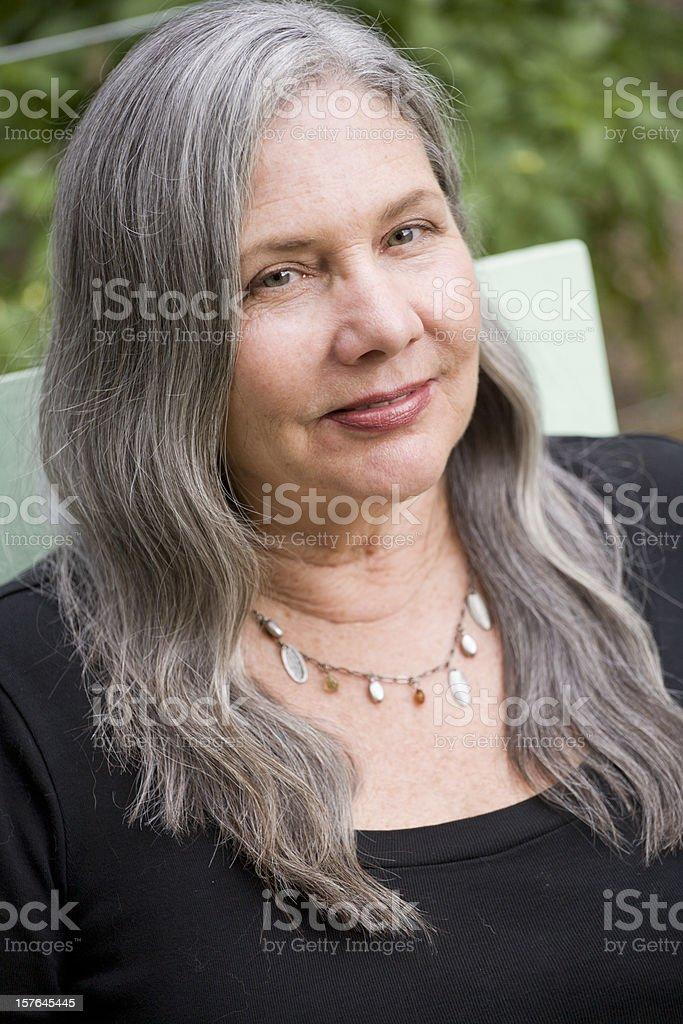 Langen ältere frau haaren mit Die Schönheit