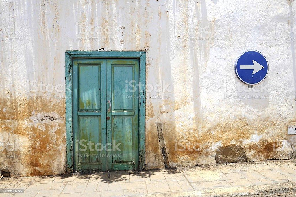old-fashioned porta - foto de acervo