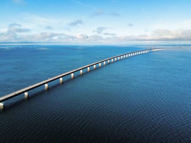 olesund bridge-conecting sverige och danmark - öresundsregionen bildbanksfoton och bilder