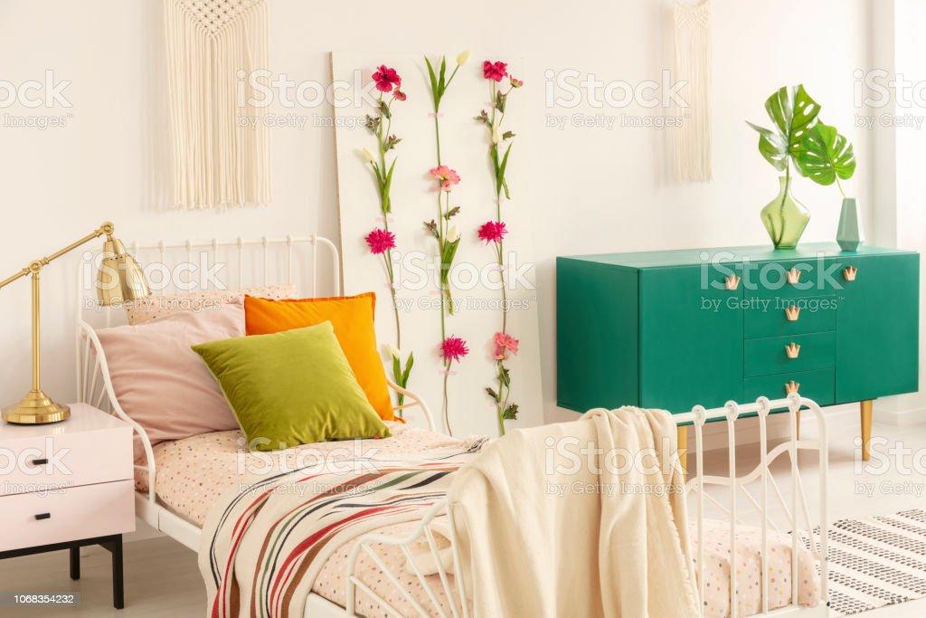 Photo libre de droit de Vert Olive Orange Pastel Rose ...