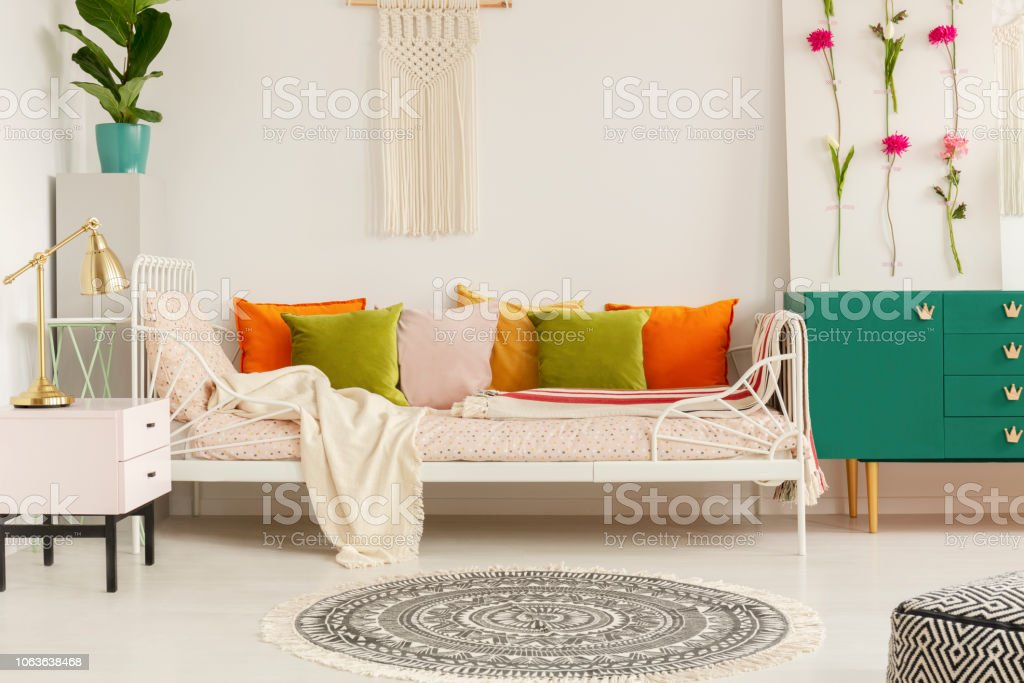 Photo libre de droit de Vert Olive Orange Jaune Et Pastel Rose ...