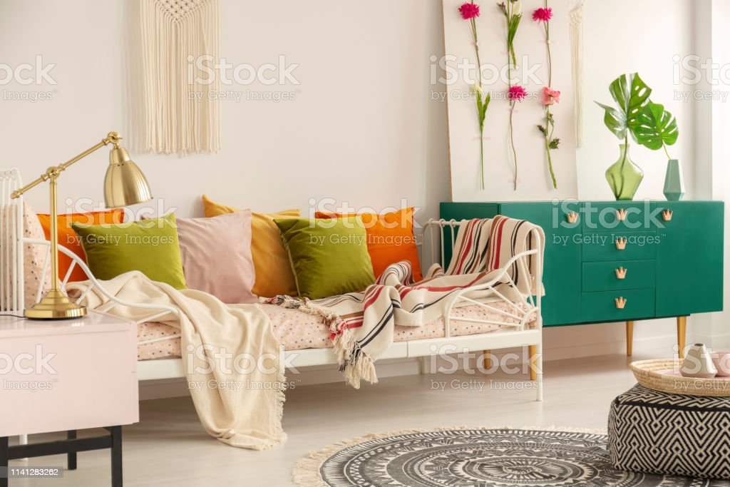 Photo libre de droit de Vert Olive Pastel Rose Jaune Et Orange ...