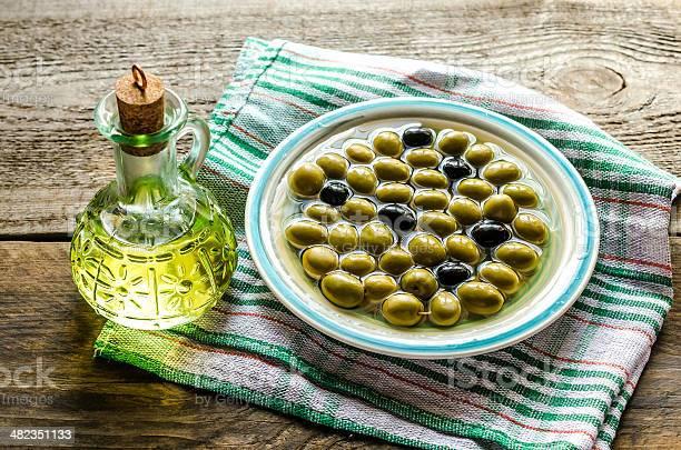 Aceite De Oliva Y De Aceitunas Completa Foto de stock y más banco de imágenes de Aceite de oliva