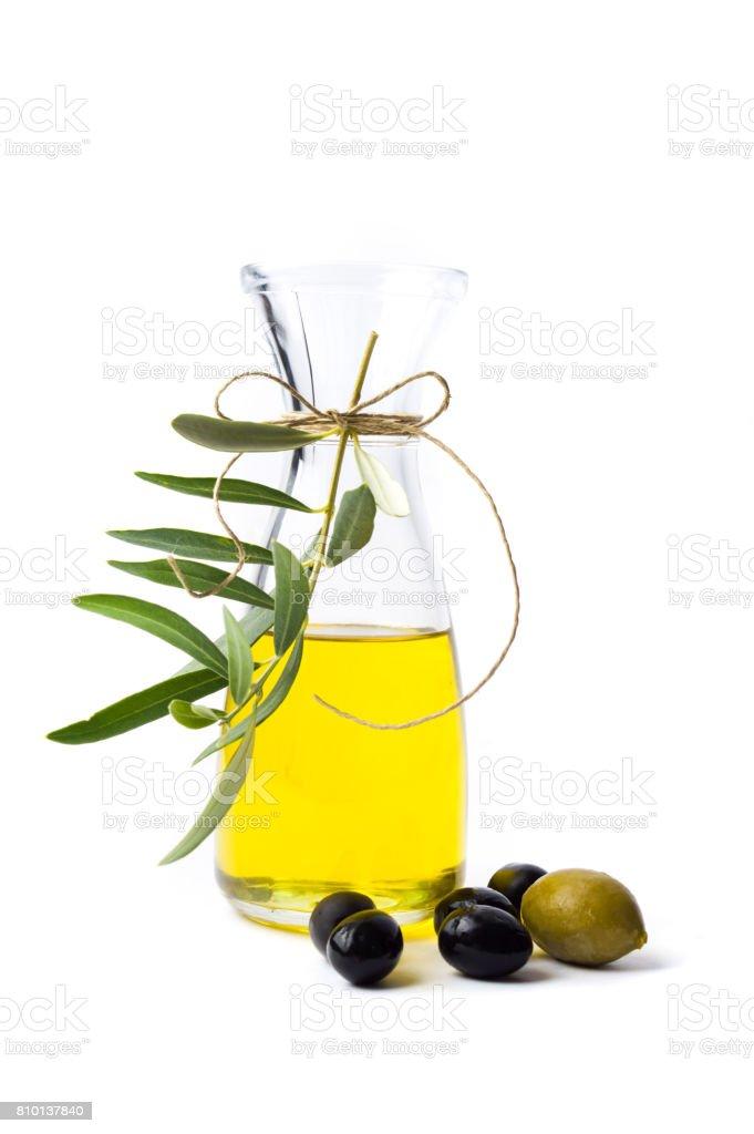Botella de aceite de oliva aislada - foto de stock