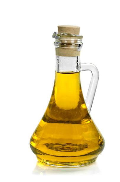 Botella de aceite de oliva - foto de stock