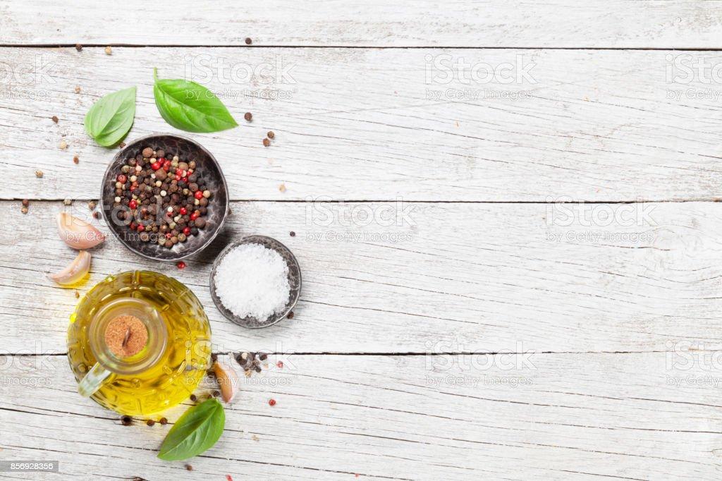Azeite, sal e pimenta - foto de acervo