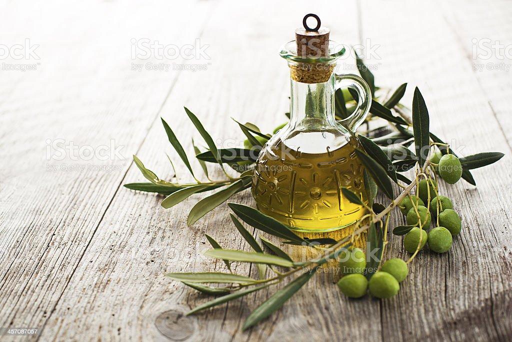 Aceite de oliva - Foto de stock de Aceite de oliva libre de derechos