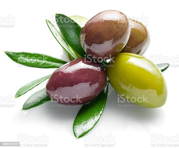 Olives with leaves picture id468461322?b=1&k=6&m=468461322&s=612x612&h=ikhkemf7enm9cc9lm4hmgelucitkocfu4gvbmvdyvgc=