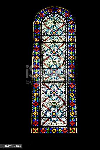 Prise de vue de l'église Notre-Dame de l'assomption de Château d'Oléron bâtie entre le XVII et XVIIIème siècle, de style néo-roman, au 18/135, 160 iso, f 5.6, 1/125 seconde