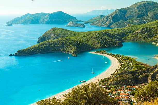 oludeniz laguna in paesaggio di mare vista della spiaggia - turchia foto e immagini stock