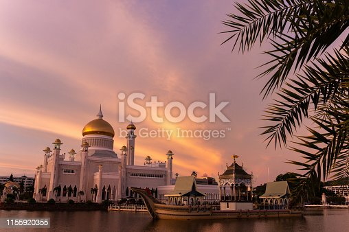 The famous Omar Ali Saifuddien Mosque in Brunei. This is a national landmark in the tiny nation of Brunei.