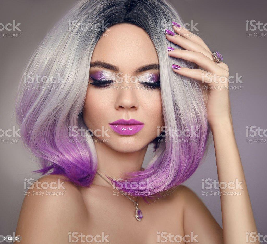 Ombre Bob Haar Farbung Frau Schonheit Portrait Von Blonden Model Mit