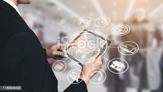 1025744816 istock photo Omni channel technology of online retail business. 1190949452