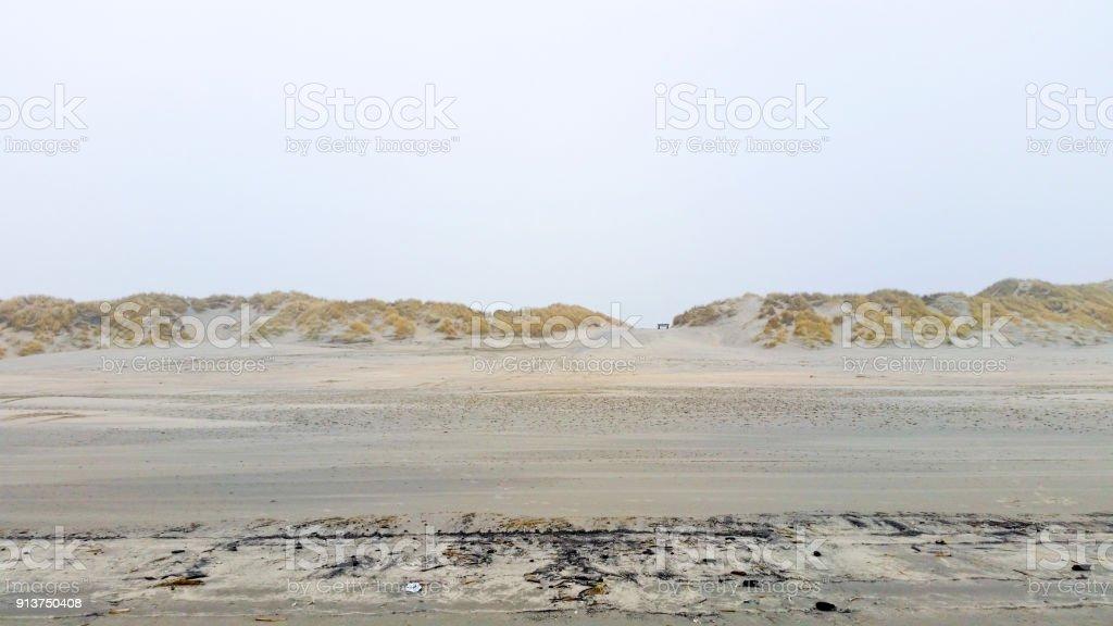 An einem Strand im winter – Foto