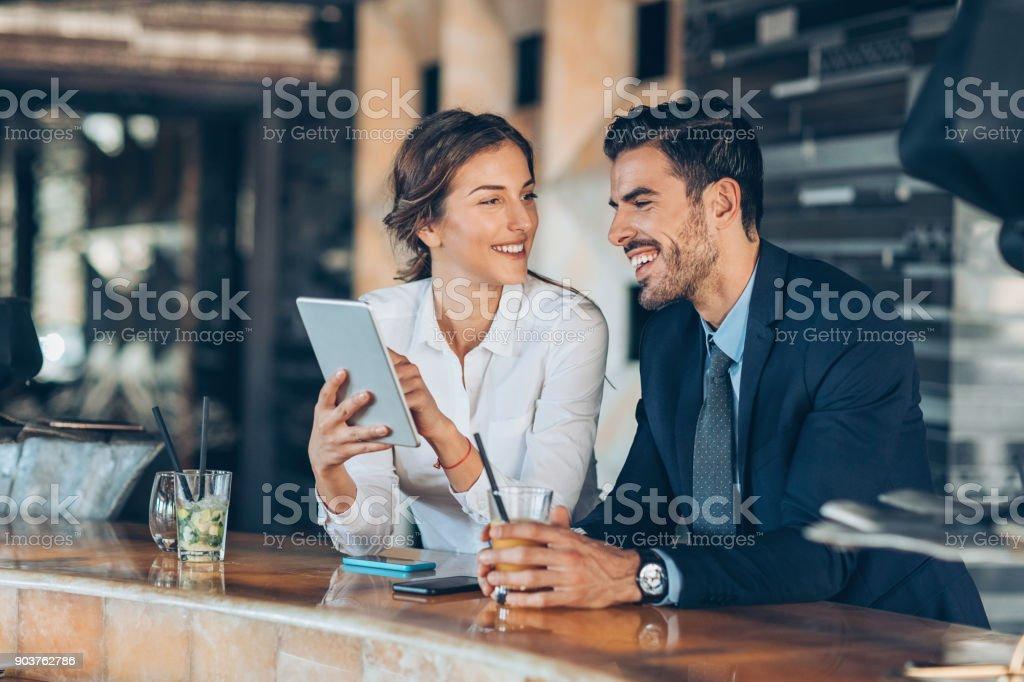 Auf einer Geschäftsreise zusammen - Lizenzfrei Anzug Stock-Foto