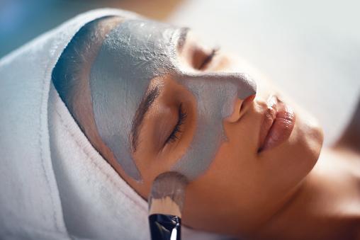 Shot of a young woman enjoying a facial treatment at a spahttp://195.154.178.81/DATA/i_collage/pi/shoots/783696.jpg