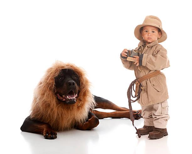 auf safari - lustige babybilder stock-fotos und bilder