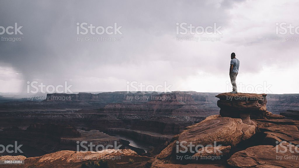 On the edge of Canyonlands - foto de acervo