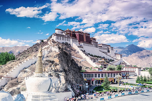 on the feet of potala palace in lhasa of tibet – Foto