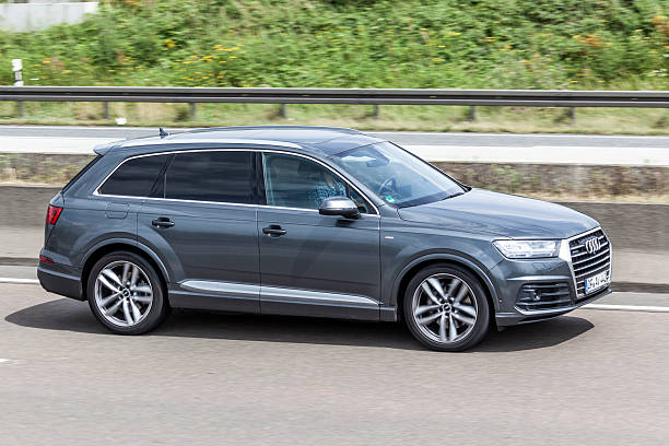 AUDI Q7 on the road – Foto