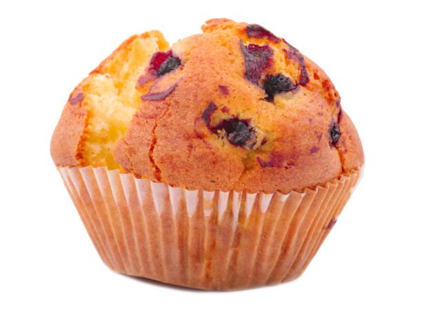 ein appetitlich, cupcake mit rosinen isoliert auf weißem hintergrund - low carb kekse stock-fotos und bilder