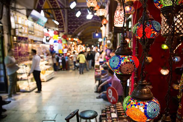 one day in the grand bazaar, istanbul - bazaar stockfoto's en -beelden