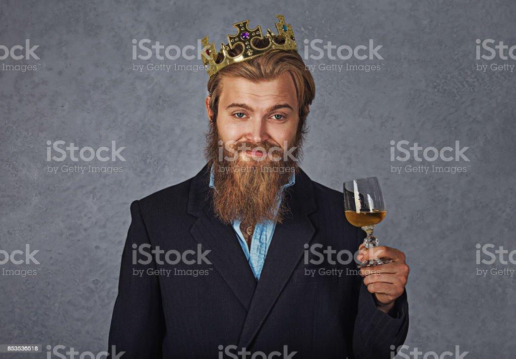 Foto De Um Elegante Homem Lindo Com Barba E Bigode Vestindo